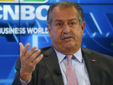 DowDuPont says Andrew Liveris to step down, names CEO for new Dow