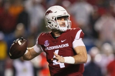 College football notebook: Arkansas quarterback Storey to miss game