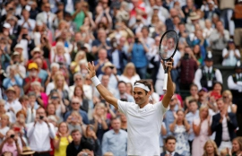 Sublime Federer outclasses gritty Berdych to reach final