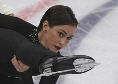 Figure skating: Two Russians barred from Olympics, hockey players also excluded