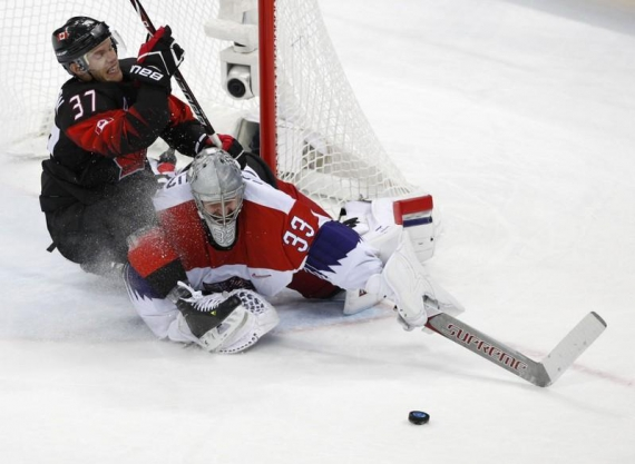 Czechs prevail in shootout against Canada