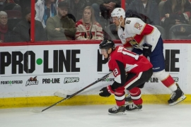NHL roundup: Trocheck stretchered off in Panthers' loss