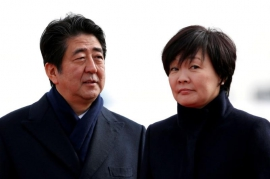 Japan PM, finance minister under fire over suspected cover-up of cronyism