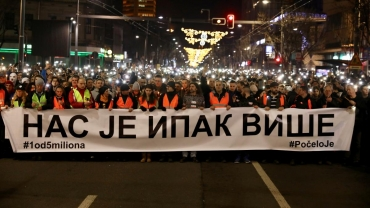 Thousands march in Belgrade in anti-government protest