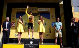 Froome in control as Aru slips down the rankings