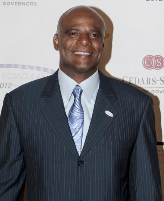Hall of Fame NFL quarterback Warren Moon denies harassment claim