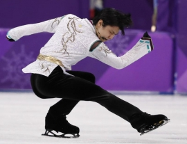 Hanyu defends Olympic title, Uno takes silver