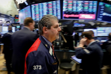 Gains in consumer stocks prop up S&P, Nasdaq